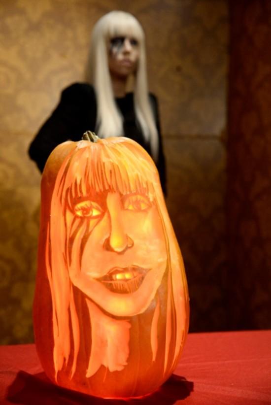 Lady_Gaga_pumpkin2410132